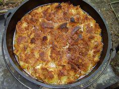 Ananas Broodpudding met ananassaus uit de Dutch oven