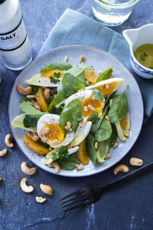 Frisse spinazie salade met sinaasappel en witlof