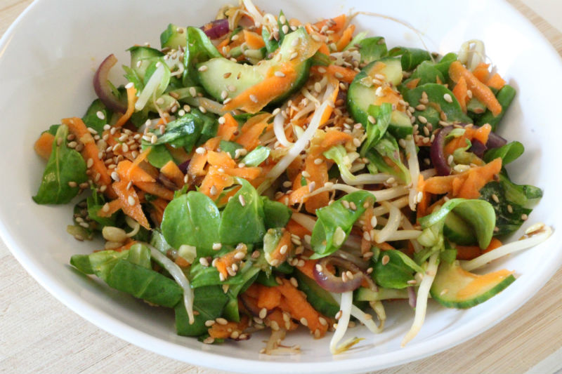 Eenvoudige oosterse salade