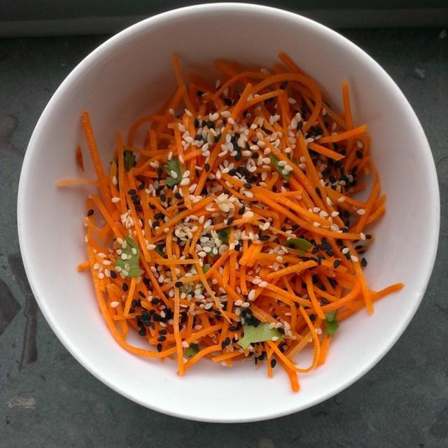 Zoetzure mango-wortelsalade